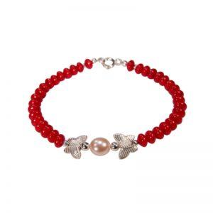 Rotes Korallenarmband mit Silberschmetterlingen