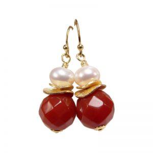 Klassische Ohrhänger mit Karneol und Perle