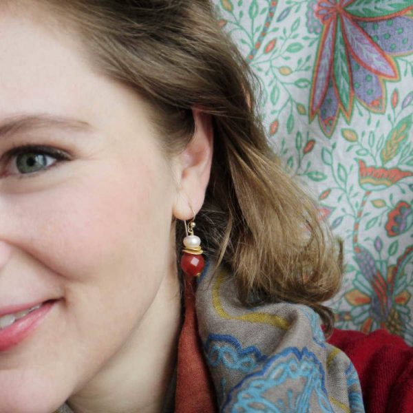 Klassische Ohrhänger mit Karneol