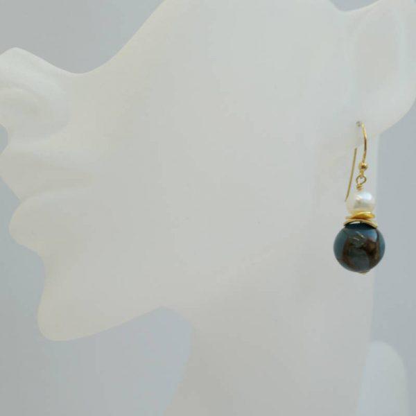 Klassische Ohrhänger mit Achat und Perle
