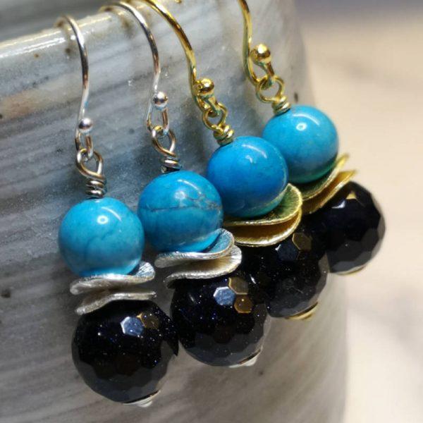 Ohrringe mit Blaufluss und türkisem Howlith