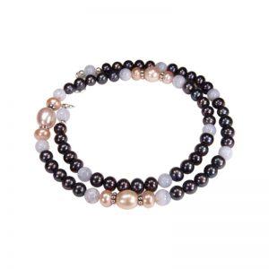 Kette mit schwarzen Perlen
