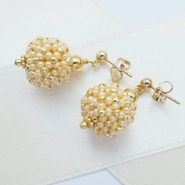 Kleine Perlenkugeln-Ohrringe