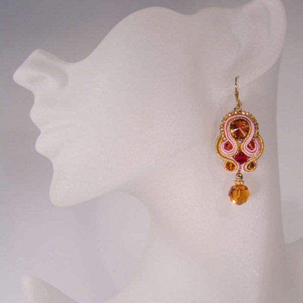 Soutache-Ohrringe in Orange-Rot