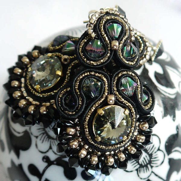 Soutache-Ohrringe in Schwarz-Gold