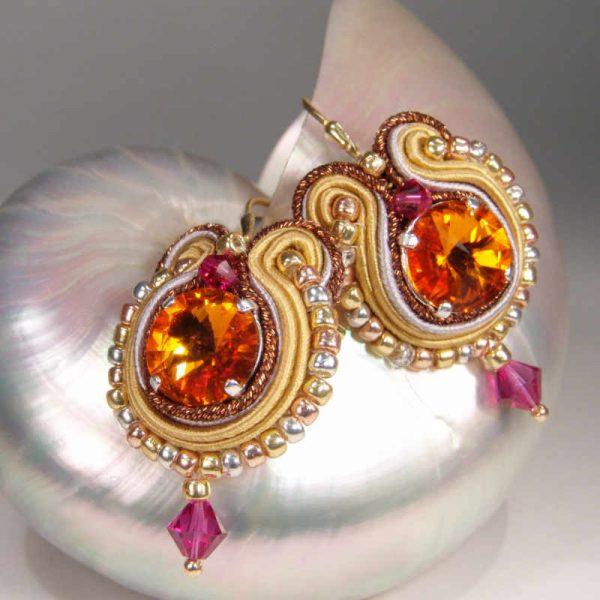 Soutache-Ohrringe in Orange-Fuchsia