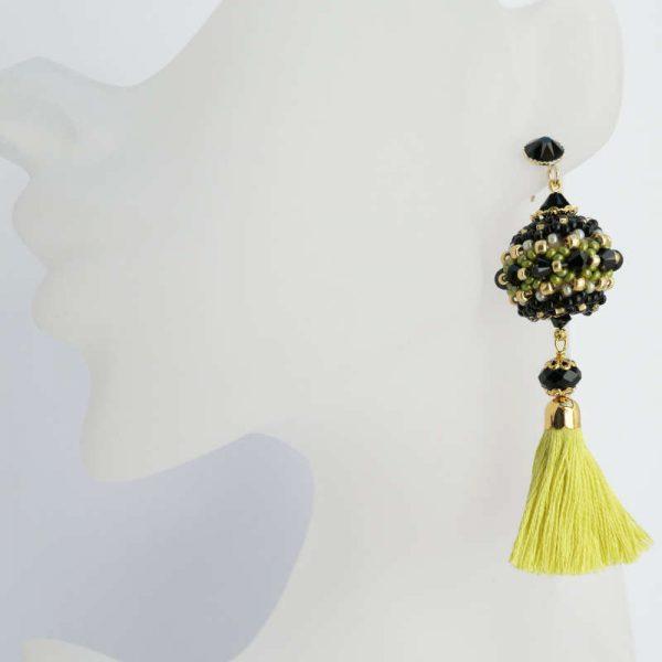 Büste nicht lebensgroß - Rocailles-Ohrringe mit Quaste in Gelb-Schwarz