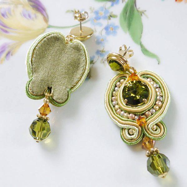 Grüne Soutache-Ohrringe