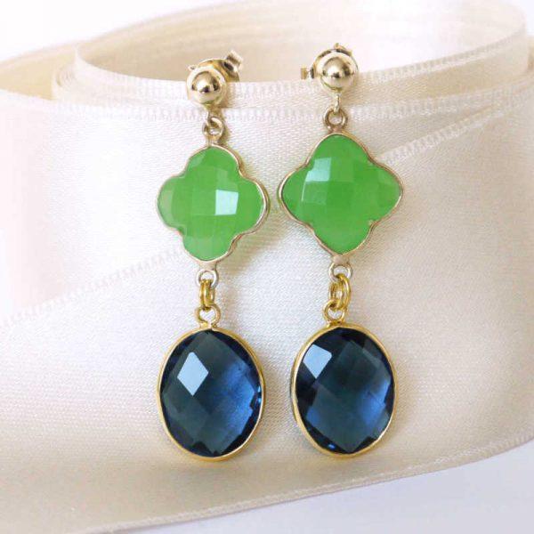 Ohrringe Edelstein-Duo mit grünem Kleeblatt und blauem Stein, vergoldet