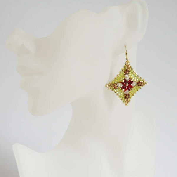 Ohrringe Rocailles-Raute in Lime und Rot | Perlotte Schmuck