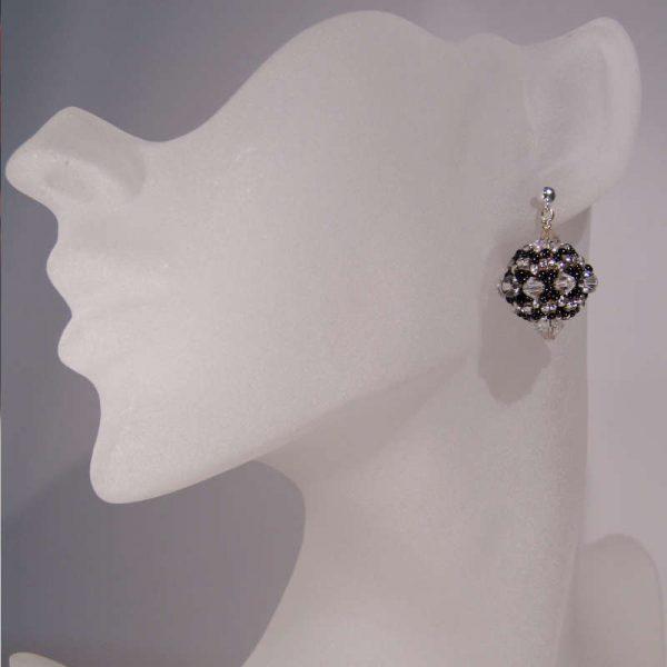 Ohrringe Rocailles-Kugel in Silber-Schwarz | Perlotte Schmuck