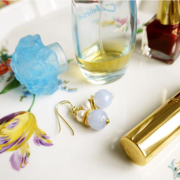 Klassische Ohrhänger mit Chalzedon - Silber vergoldet