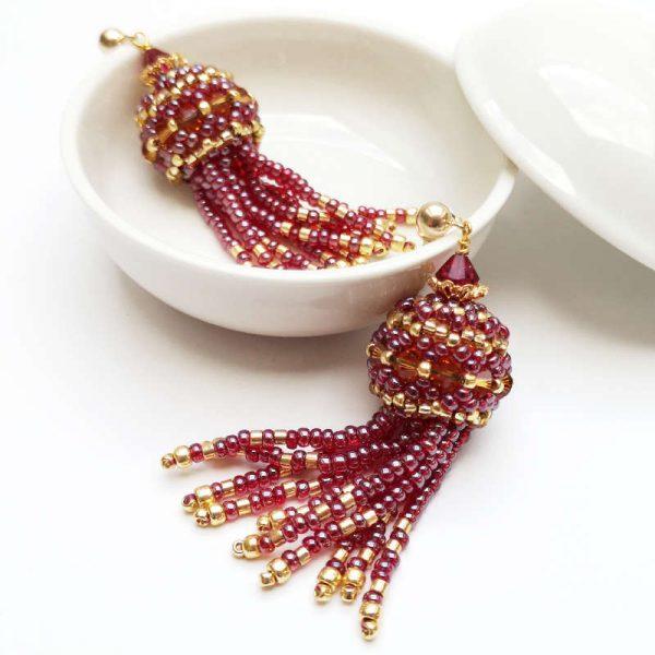 Ohrringe mit Perlenquasten in Rot-Gold